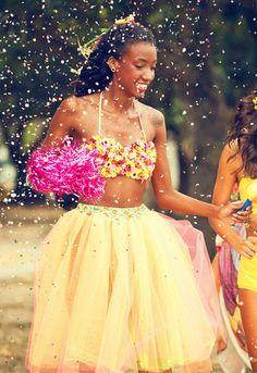 Farm lança sua coleção especial para o Carnaval | Chic - Gloria Kalil: Moda, Beleza, Cultura e Comportamento