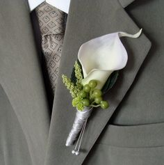 Calla Lily Wedding Boutonniere Groom, Groomsmen  Use Heather and purple in place of the green