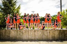 Cheer / Cheerleader / Cheerleading Portrait / Photo / Picture Idea - Team Dance Team Pictures, Volleyball Team Pictures, Cheer Team Pictures, Cheer Picture Poses, Cheer Poses, Cheerleading Pictures, Gymnastics Pictures, Cheerleading Outfits, Picture Ideas
