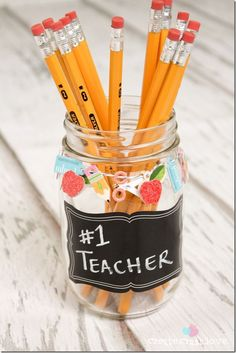 Teacher Gift: Pencil Holder - Mason Jar Crafts Love