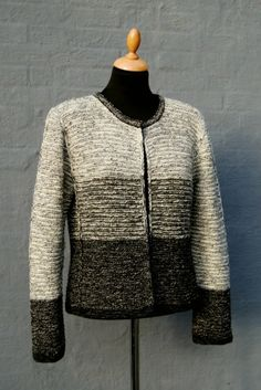 Tweedi by Hanne Falkenberg Knitting Wool, Knitting Patterns, Loose Fitting Tops, Knit Fashion, Striped Knit, Yarn Crafts, Cardigans For Women, Knit Cardigan, Diy Clothes