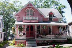 What a great Pink Victorian Cottage! I love the pink cottage with beautiful gingerbread trim! Victorian Cottage, Victorian Homes, Victorian Ladies, Two Storey House Plans, Oak Bluffs, Cute House, Pink Houses, Small Houses, Cozy Cottage