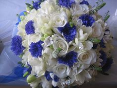 Cornflowers can be stunning when paired with crisp white flowers of any kind. Image: Jo Hicks Flowers