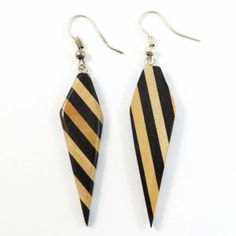 For those who make their own style these wooden striped #dangle earrings are just perfect for their ears.