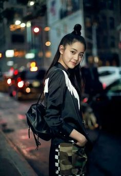 Rain Jacket, Bomber Jacket, Romance Film, Cellos, Chinese Actress, Selfie, Cute Hairstyles, Pretty People, Ulzzang