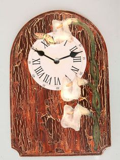 One of our favourites - vintage-style wall clock. Decorate it as you wish with some acrylic paint, crackle medium and decoupage paper.  — Hobby Art Chemaco