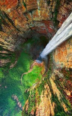 I am from Venezuela and Venezuela has the Angel Falls. Angel Falls is so breath taking. Its so pretty watching the water come down. Angel Falls in the world's tallest waterfall. Places Around The World, Oh The Places You'll Go, Places To Travel, Places To Visit, Around The Worlds, Travel Destinations, Angel Falls Venezuela, Les Cascades, Parc National