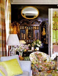 Mario Buatta - great dark lacquered walls w/lots of yellow