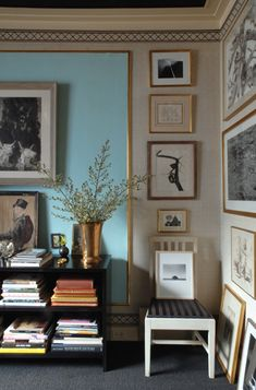 Albert Hadley - - Diploma of Interior Design & Decoration - Term One Style At Home, B&w Wallpaper, Estilo Interior, Living Spaces, Living Room, Piece A Vivre, Deco Design, Design Design, Elle Decor