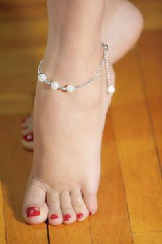 This is a beautifully feminine ankle bracelet made from sterling silver enhanced. Silver Ankle Bracelet, Ankle Jewelry, Ankle Bracelets, Feet Jewelry, Jewelry Accessories, Cute Toes, Pretty Toes, Feet Soles, Women's Feet