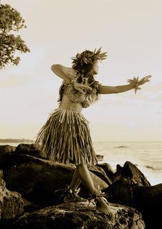 Vintage Hula by Pete Saloutos, via Flickr