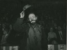 Emmett Kelly, May 7, 1943  Weegee  1943:  phyllis creepy clown pictures are of him