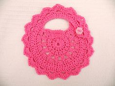 Baby Bumble Bib, free pattern by Maryfairy.