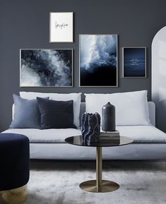 Decorate your living room with a trendy gallery wall! Find inspiration on how to decorate your living room in our Inspiration section. Upgrade your living room today with Desenio. Interior Design Photos, Interior Design Living Room, Living Room Designs, Living Room Decor, Bedroom Decor, Room Interior, Interior Decorating, Decorating Ideas, Inspiration Wand