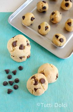 Coconut-Macadamia Chocolate Chip Cookies | Tutti Dolci