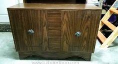 Un vrai trompe l'oeil! regarder ce que l'on peut faire avec de l'imagination du temps et un vieux meuble... http://www.trucsetbricolages.com/un-vrai-trompe-loeil/