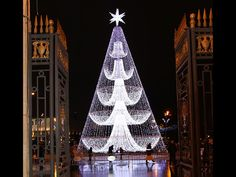 The tree made up of #LED lights is quite dazzling!  #holiday #lights