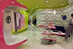 fashion boutique interior decorating ideas... love these colors