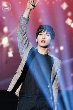 """[150411 Jung YongHwa 1st Concert """"One Fine Day"""" in Beijing (1)] cr: 叫我没脑子"""