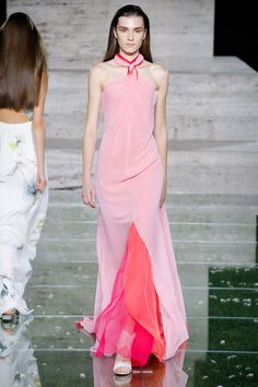 Salvatore Ferragamo Spring 2018 Ready-to-Wear  Fashion Show - Irina Djuranovic