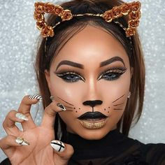 Creative Cat Makeup For Halloween of art. We cherish feline cosmetics and couldn't give Halloween a chance,to go by without demonstrating to you the best Tiger Makeup, Leopard Makeup, Cat Eye Makeup, Cat Halloween Makeup, Halloween Looks, Halloween Outfits, Scary Halloween, Simple Cat Makeup, Creative Makeup