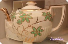 Vintage Rare Arthur Wood Made in England Gold and by SparkleSet, $43.50