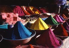 The colours of India are just amazing, whether its clothes, jewelry, buildings or food!