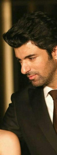 Good Looking Men, Looking Gorgeous, Beautiful, Turkish Actors, How To Look Better, Cool Photos, Turkey, Handsome, Couples