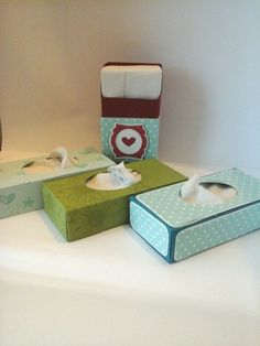 Mini boxes for pocket tissues! Ridiculously adorable!