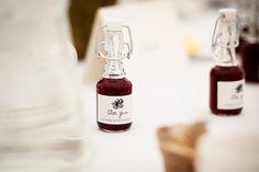 Bottles of Sloe Gin wedding favours
