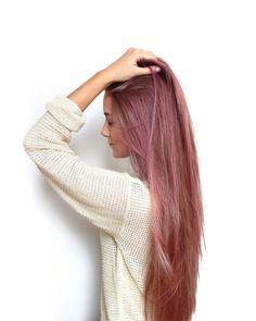 Reaaally lovin her hairrr