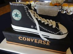Converse High Top Shoe Groom's Cake - Surprise cake for the lucky groom today in Pt. Loma CA. Hope he liked it and not sure he if wore his Chucks in the wedding or not! Converse Cake, Converse All Star, Converse High, Converse Shoes, Fondant Cakes, Cupcake Cakes, Cupcakes, Rex Manning Day, 50th Birthday Cakes For Men