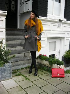 Outfit | Winter Proof | Mustard yellow scarf from Zara, Beret from Paris, Grey coat from H&M, patent brogue heels from Van Haren, thrifted red purse | More on http://www.retrosonja.com