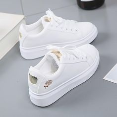 Hot Fashion Embroidered Breathable Flower Lace-Up Women Sneakers – GaGodeal women trending shoes Sneakers Mode, Sneakers Fashion, Fashion Shoes, Sneakers Workout, Girl Fashion, Fashion 2020, Spring Fashion, Style Fashion, Winter Fashion