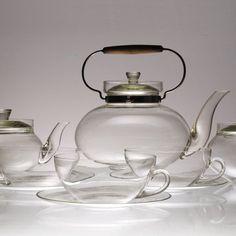 Čajový servis, Ladislav Sutnar Photography Lighting, Information Graphics, Tea Service, Bauhaus, Teapot, Book Design, Eye Candy, Art Deco, Villa