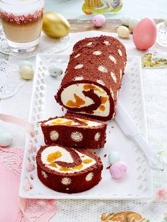 Mandarin jelly roll- Mandarinen-Biskuitrolle Mandarin biscuit roll with funny polka dots - Biscuits, Carrot Cake Cheesecake, Different Cakes, Salty Cake, Baking And Pastry, Savoury Cake, Food Menu, Creative Food, Cakes And More