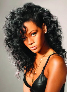 Rihanna wearing curly/wavy hair