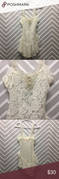 Vintage Lace and Sheer Negligee Beautiful Vintage Lace and sheer negligee. Brand is Intimate Concepts by Terry Russo. Machine washable. 24 inch waist, 28 inch bust/30 inch length. Intimates & Sleepwear