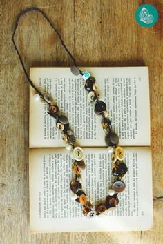 Necklace made with vintage buttoms and beads by FraGiù. https://www.facebook.com/fragiuhandmade