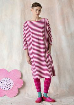 Striped dress in eco-cotton – Size XXL – Gudrun Sjödén Pink Trousers, Striped Dress, Short Sleeve Dresses, Sewing, My Style, Womens Fashion, Cotton, Sale Items, Clothes
