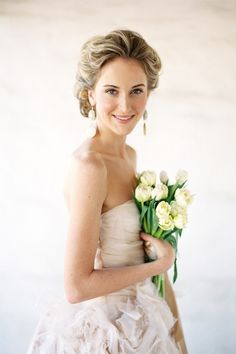 Neutral colors make for a breathtaking bride- especially for those brides who do not usually wear a lot of makeup! Contact me for the look using Mary Kay Cosmetics!