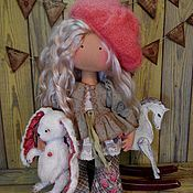 Малышка в пальтишке (с зайкой) – купить или заказать в интернет-магазине на Ярмарке Мастеров | Замечательный рыжий ребёнок!<br /> Рост 32 см. Love Sewing, Doll Clothes, Alice, Fairy, Christmas Ornaments, Holiday Decor, Vintage Dolls, Fabric Dolls, Dolls Dolls