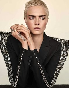 Talent Cara Delevingne is styled by Ilona Hamer in 'All That Glitter', lensed by Alexandra Nataf for The Edit September Hair by Mara Rosak; makeup by Molly Stern 'All That Glitters' is not… Short Pixie Haircuts, Pixie Hairstyles, Short Hair Cuts, Pixie Styles, Short Hair Styles, Blonde Beauty, Hair Beauty, Cara Delevingne Hair, Mode Editorials