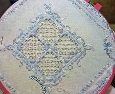 HARDANGER EMBROIDERY - Ricerca Google Hardanger Embroidery, Embroidery Stitches, Embroidery Patterns, Floral Embroidery, Types Of Embroidery, Learn Embroidery, Patches, Bookmark Craft, Cross Patterns