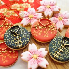 Cheongsam cookies for Chinese New Year ❤️ I know I'm a bit late posting this but things just got hectic at home Special shout out to Selly for sharing her technique with me @sellynat18 thank you so much Selly, @cookielicious_nz