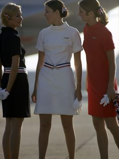 1967 American Airlines Uniforms, American Airlines Flight Attendant, Airline Attendant, Airline Uniforms, Flight Attendant Humor, Air Hostess Uniform, Female Pilot, Uniform Dress, Packing Tips