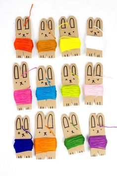how to make DIY Embroidery floss storage out of cardboard! These cute bunnies ar… how to make DIY Embroidery floss storage out of cardboard! These cute bunnies are sure to organize all that thread! Diy Embroidery Floss Storage, Dmc Embroidery Floss, Embroidery Thread, Embroidery Patterns, Diy Embroidery Designs, Thread Storage, Diy Broderie, Storage Organizers, Art Storage