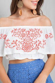 cropped ciganinha bordado flor | Dress to