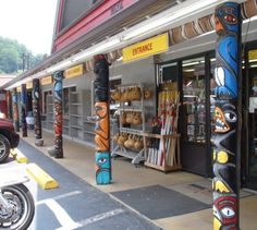 Indian Crafts and Artifacts in Cherokee, North Carolina