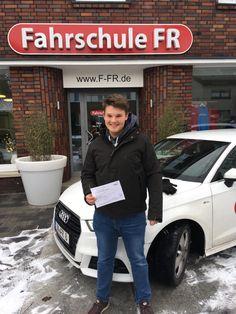Glückwunsch vom Fahrschulteam FR an Simon Krumrey👍🍀🔝  #prüfungsbesteher #werne #fahrschulefr#fahrschule #führerschein #autoführerschein#abaufdiestraße #läuftbeidir 😁🗽🏆🚖🚦 Autos, Driving Training School